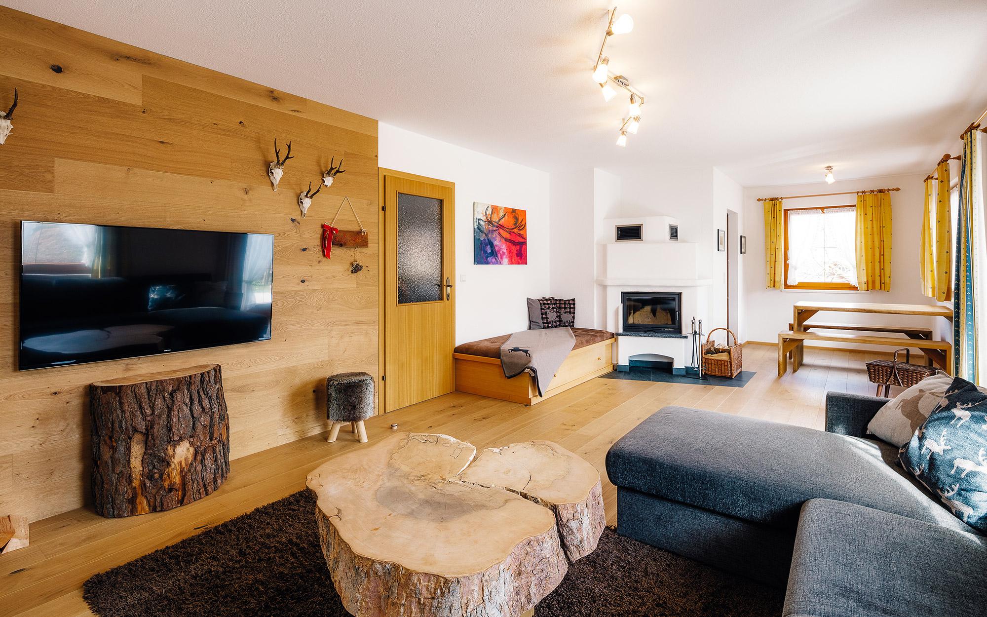 """Alpenzeit """"Herzstück"""" - living area"""